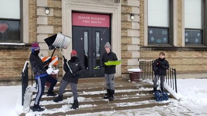 student shovelers1